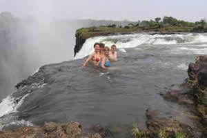 Tourists at the edge of the Victoria falls