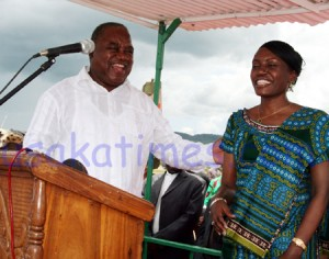 PRESIDENT Rupiah and First Lady Thandiwe at Chipata airport during 2008 campaigns