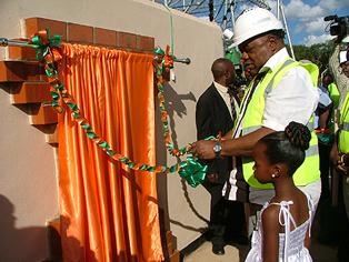 President Rupiah Banda commissioning Lumwana mine