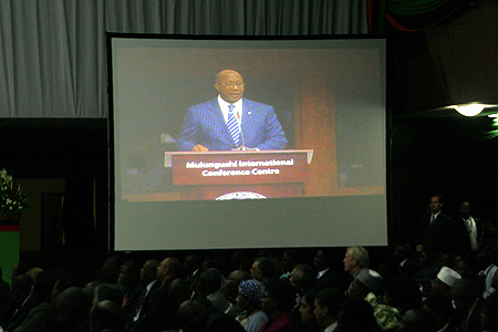 US Trade secretary Ron Kirk addressing delegates at the AGOA Forum in Lusaka