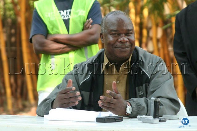 Former Deputy Minister of Works & Supply and MMD Chipata central MP Lameck Mangani speaking during the press briefing