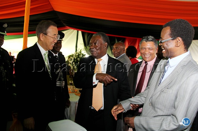 Ban Ki Moon, Former Vice President George Kunda and President Michael Sata share a light moment at State House while Given Lubinda looks on