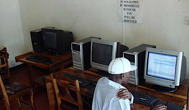Farmer' s Association Internet cafe in Kabwe