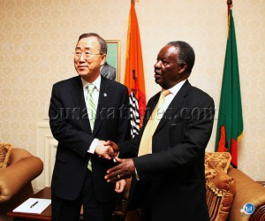 Sata with Ban ki-moon pose for a picture