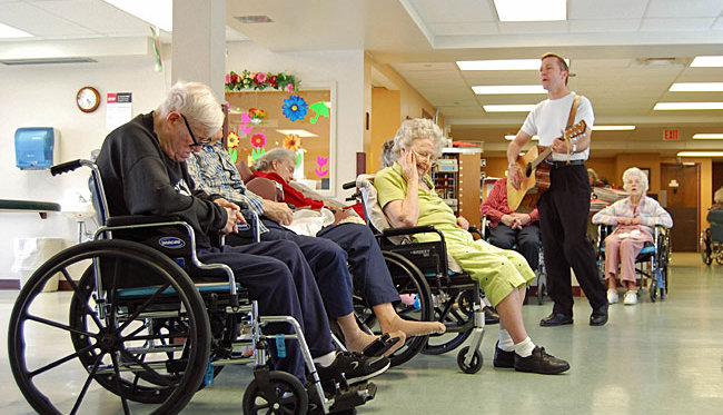 to what extent are nursing homes Home nursing homes  cost  types of cost cost currently, care in a nursing home costs an average of $269 per day, so it is a good idea to review all the possible payment options to determine if your loved one is eligible for any third-party coverage.