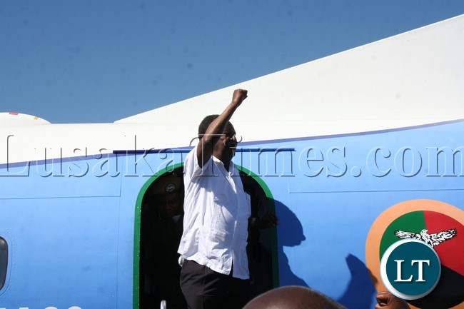 President arrives at Mongu airport ahead of by-elections for Lukulu west
