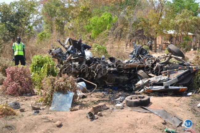 11 members of the same family died n a road  when a Toyota Hiace minibus in which they were travelling collided with a truck on the Ndola-Kapiri Mposhi road, in Kafulafuta.