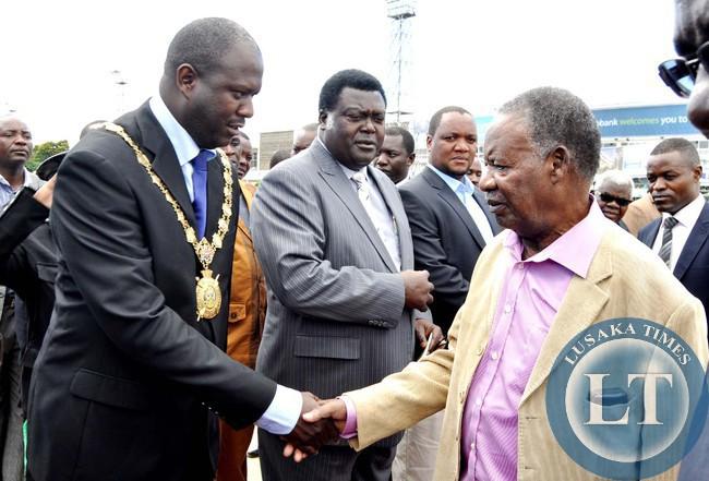 President Sata being welcomed by Lusaka Mayor Daniel Chisenga on arrival at Kenneth Kaunda International Airport