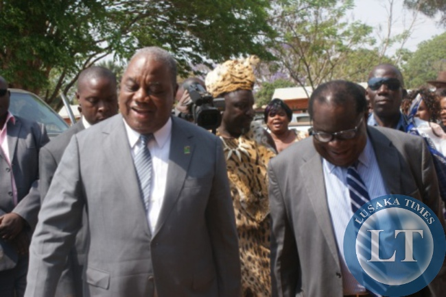 Former Zambian President Rupiah Banda with with Malawian Finance Minister Goodwell gondwe
