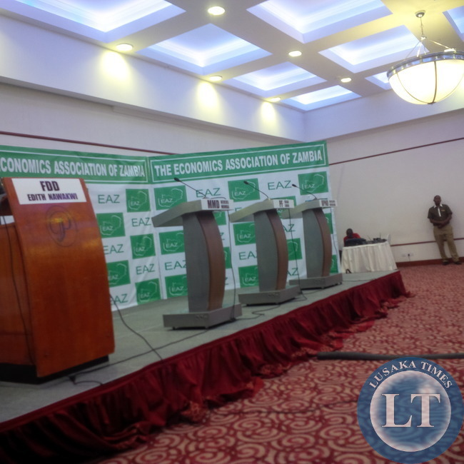 Emptyn podiums after some debators shunned the event