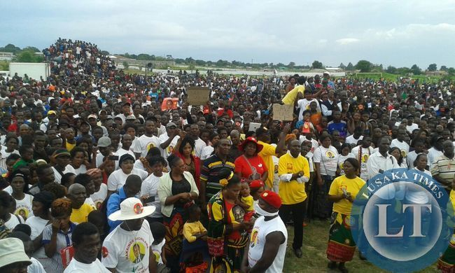 Crowds at Mufulira rally this afternoon