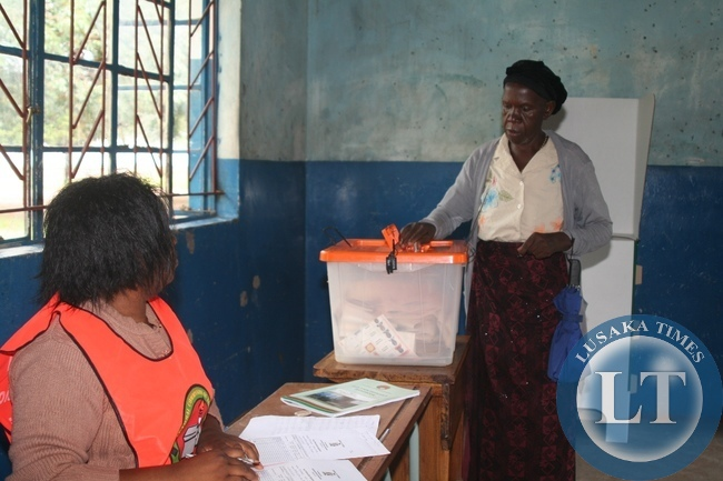 Elizabeth Mubukwanu of 71 years of age casting her vote at Malengwa Polling Station in Mongu Constituency of Western Province during the Presidential Elections
