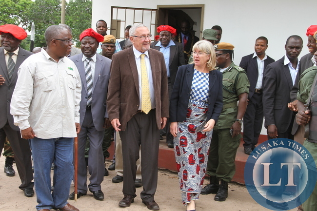 Acting President Dr Guy Scott and Local Government minister Emmanuel Chenda flanked by Induna Inete on arrival at Limulunga in Mongu. Dr Scott was in Western Province on Tour of Developmental Projects