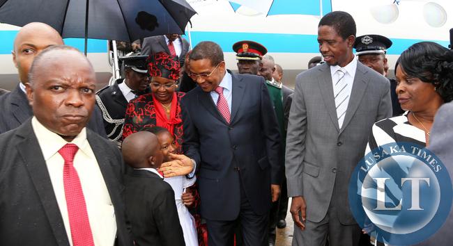 President Edgar Lungu with President Dr Jakaya Kitwete at kenneth Kaunda internatioanl airport in Lusaka on 25-02-2015. PICTURE  BY EDDIE MWANALEZA/STATEHOUSE.