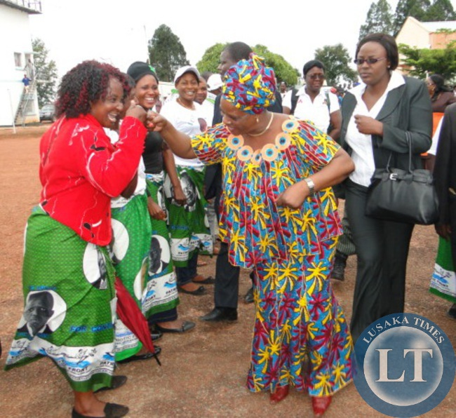First Lady Esther Lungu ,Northern Province Minister Freedom Sikazwe and Former First Lady Vera Chiluba joins dancers upon arrival at Kasama lodge today.The First Lady is in the province to check on women clubs.