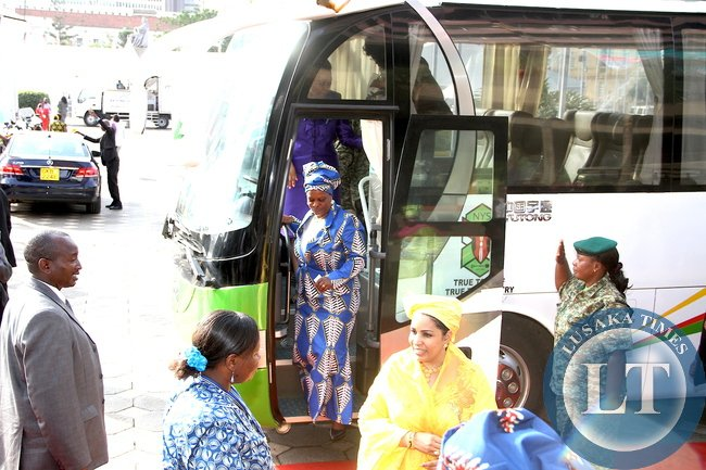 First Lady Esther Lungu alights from a Bus at Kenya International Convention Centre in Nairobi  after tour of Aga Khan University Hospital in Nairobi on July 20,2015 -Picture by THOMAS NSAMA