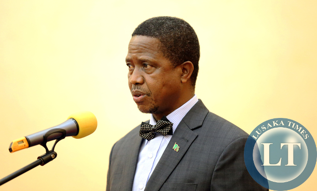 President Lungu gives a speech during the dinner at Entebbe statehouse