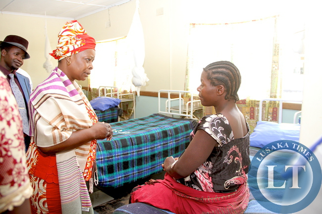 FIRST LADY-LUAMPA MISSION HOSPITAL 92