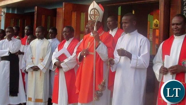 A gaze at the Cross brings about an encounter with the crucified and risen Christ as well as its transforming power that the world needs.This was when Chipata Catholic Diocese Bishop George Lungu at St Annes Cathedral Parish