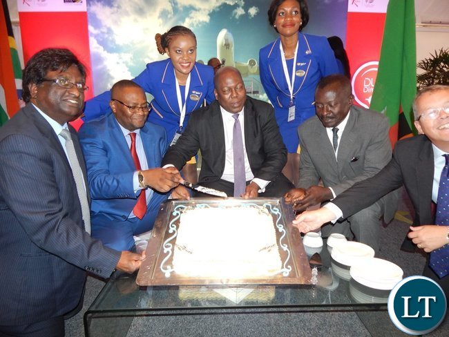 Leaders of delegations from the Zambian and South African Governments and the private sector show off a cake at the launch of the Proflight Zambia flight to Durban from Lusaka. This was at the International Convention Centre in Durban on Monday, 21st September, 2015. PICTURE BY NICKY SHABOLYO