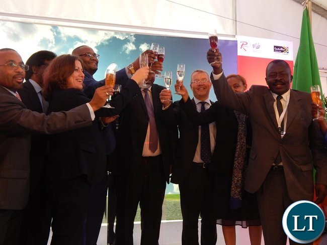 Leaders of delegations from the Zambian and South African Governments and the private sector toast at the launch of the Proflight Zambia flight to Durban from Lusaka. This was at the International Convention Centre in Durban on Monday, 21st September, 2015. PICTURE BY NICKY SHABOLYO