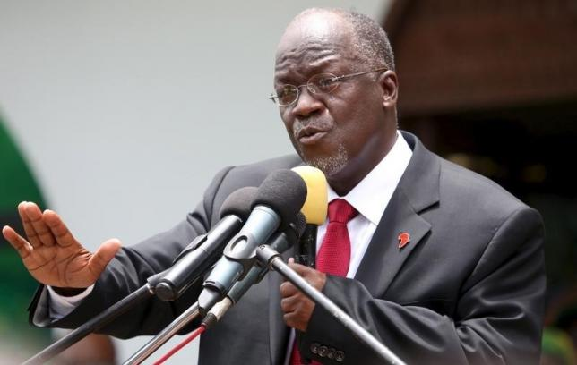 Tanzania's President elect John Pombe Magufuli addresses members of the ruling Chama Cha Mapinduzi Party (CCM) at the party's sub-head office on Lumumba road in Dar es Salaam, October 30, 2015. REUTERS/Emmanuel Herman