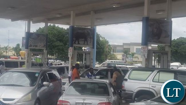 Motorists line up for fuel in Lusaka