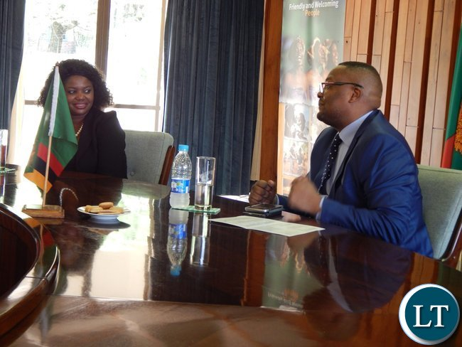 Zambia High Commisioner to South Africa Emmanuel Mwamba when the five graduates paid a courtesy call on him
