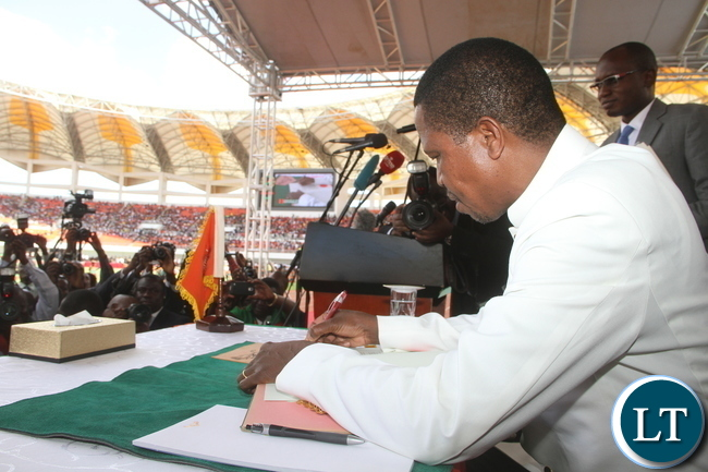 PRESIDENT LUNGU ASSENTS TO THE CONSTITUTION AMENDMENT BILL 013