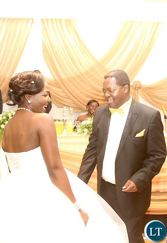 Lawyer Eric Silwamba and his daughter Makomba took to the dance floor. This was during the wedding ceremony of Masuzgo Kaunda Junior (grandson son of Dr Kenneth Kaunda) and Makomba Silwamba (daughter of Eric Silwamba) at InterContinental Hotel in Lusaka