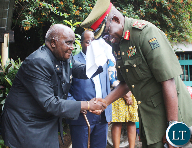 he Zambia Army officer of intake 14-15/1986/7 The Brigadier General Benson Chisha Musonda with First Republican President Kenneth Kaunda