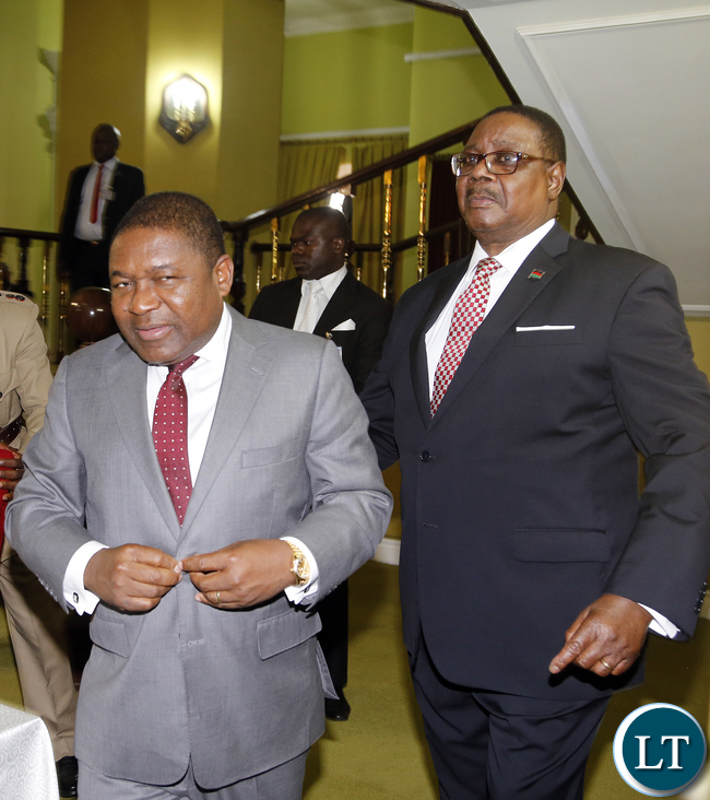 His Excellency President Peter Arthur Mutharika of the Republic of Malawi and His Excellency President Filipe Jacinto Nyusi of the Republic of Mozambique Pictures by Eddie Mwanaleza/statehouse. 25-04-2016.