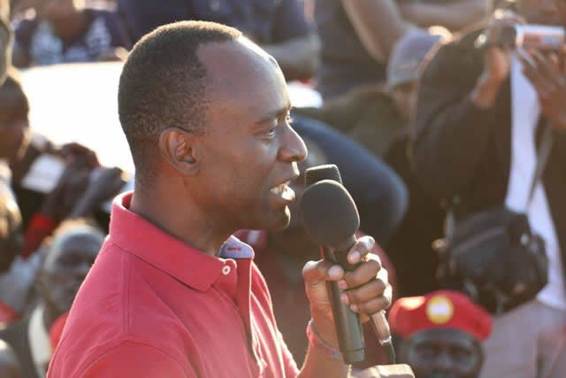 Mulenga Sata addresses a UPND rally in Mpika