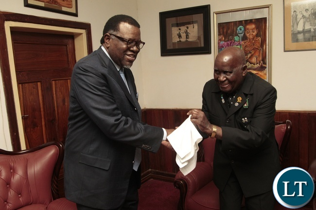 First Republican President Dr.Kenneth Kaunda welcomes Namibian President Dr. Hage Geingob when he called on Dr. Kaunda at his office