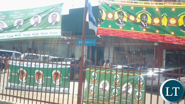 PF,UPND,MMD and FDD campaign materials symbolising unity along Umodzi Highway in Chipata