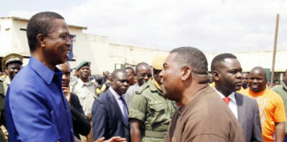 President Edgar Lungu greets former Lusaka Province Minister Obvious Mwaliteta during his visit of Lusaka Central Prison