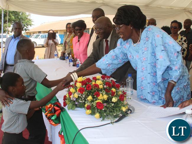 VEEP thanking G3 pupil Tinozyenge Zyambo.