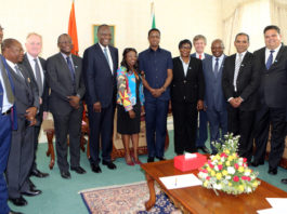 Associated British Foods (ABF) has recently acquired 100 per cent shareholding in Illovo Sugar Limited in which it previously held 51 per cent stake. Illovo Sugar Pty owns 75 per cent stake in Zambia Sugar Plc. ABF Chief Executive Officer, Mr George Weston, and his Financial Director, Mr John Bason, were in the country and today paid a courtesy call on His Excellency President Edgar Lungu. Accompanying the ABF directors were Illovo Sugar Group Managing Director, Mr Gavin Dalgleish and Group Financial Director, Mr Mohammed Abdool Samad and the Zambia Sugar management team led by company Board Chairman, Mr Fidelis Banda and Managing Director, Mrs Rebecca Katowa.- Picture By Eddie Mwanaleza/Statehouse 20-10-2016