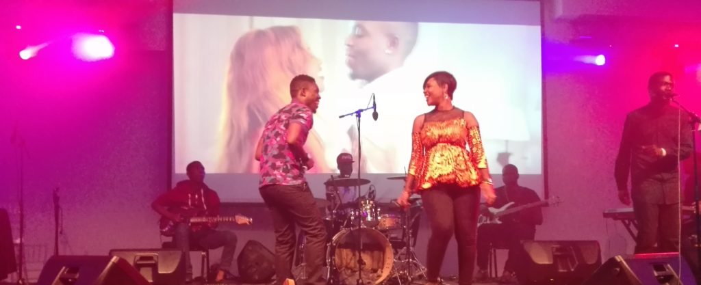 kaladoshas and cleo ice queen performing oxygen