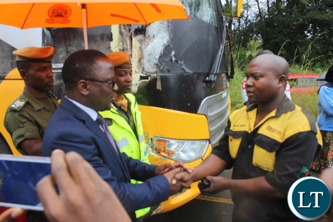 Central province permanent secretary Chanda Kabwe thanking Evance Chabala 35 the driver of the power tools bus for bravery by trying by all means to avoid losing lives.