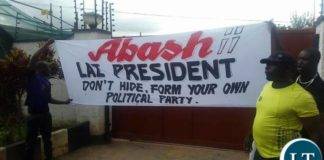 PF cadres protesting outside LAZ offices