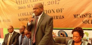 Minister of Health, Dr. Chitalu Chilufya, launches the Southern Africa Tuberculosis and Health System Support Project at Sherbourne Hotel in Kitwe on 30th March, 2017. Right is Minister of Labour, Joyce Nonde- Simukoko and left is Copperbelt Province Permanent Secretary, Elias Kamanga, Kitwe District Commissioner, Binwell Mpundu and Copperbelt Province Health Director, Dr. Consity Mwale. Picture by Tisa Banda-Nkhoma/ZANIS.