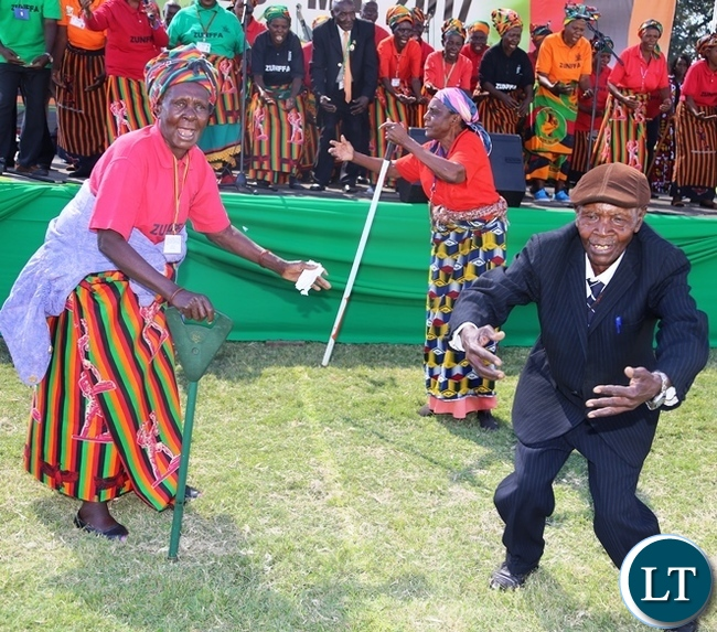 Some freedom fighters singing and dancing at this year's Africa Freedom day at State House .Picture by SUNDAY BWALYA / ZANIS.