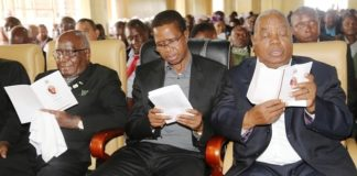 President Edgar Lungu with former presidents DR Kenneth Kaunda and Rupiah Banda singing hymn during the funeral church service of former freedom fighter Salome Kapwepwe in Chinsali district. Picture by SUNDAY BWALYA / ZANIS.