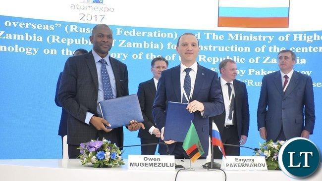 Zambia Ministry of Higher Education permanent secretary Owen Mugemezulu and Rusatom Overseas president Evgeny Pakermanov