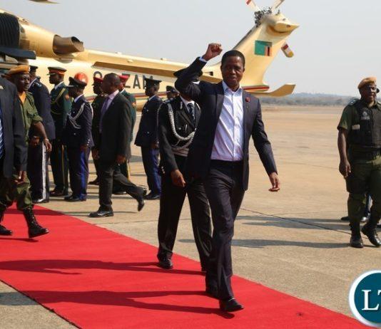 President Edgar Lungu wave the part symbol shortly before his departure to Rwanda at Kenneth Kaunda International Airport yesterday 17-08 2017. Picture by ROYD SIBAJENE/ZANIS