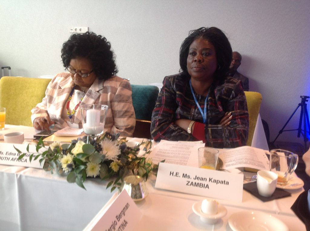 Minister of Lands Jean Kapata (r) at COP23 in Bonn
