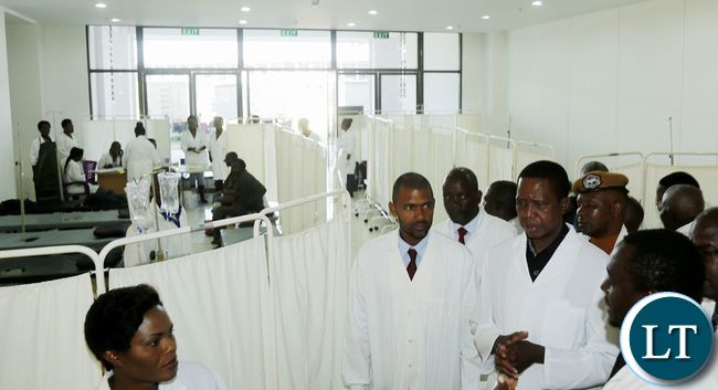 President Edgar Edgar Chagwa Lungu (second from right) accompanied by Local Government Minister Vincent Mwale visits the Cholera Centre at Heroes Stadium in Lusaka on Tuesday,January 9,2018. PICTURE BY SALIM HENRY/STATE HOUSE