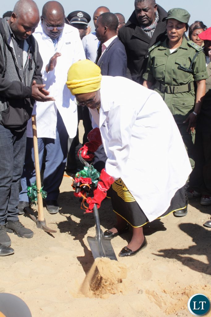Vice President Inonge Wina (c) during the ground breaking ceremony for the proposed construction site of Lealui Mini Hospital in Mongu