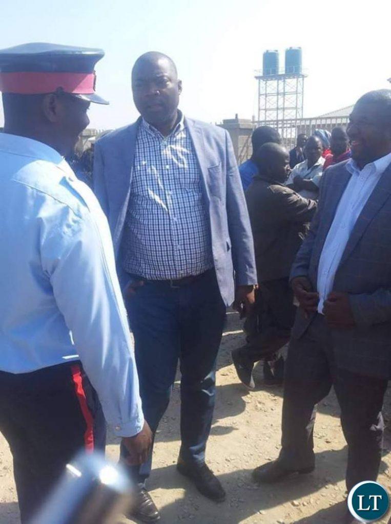Lusaka Province Bowman Lusambo busts  illegal roadblock